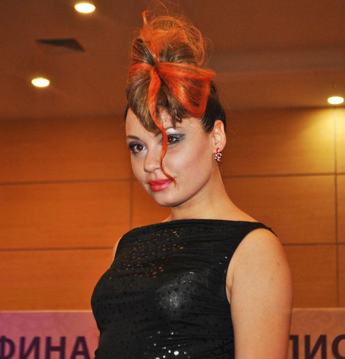 Вы просматриваете изображения у материала: ФОТООТЧЕТ XIX Чемпионата России по парикмахерскому искусству, декоративной косметике и маникюру