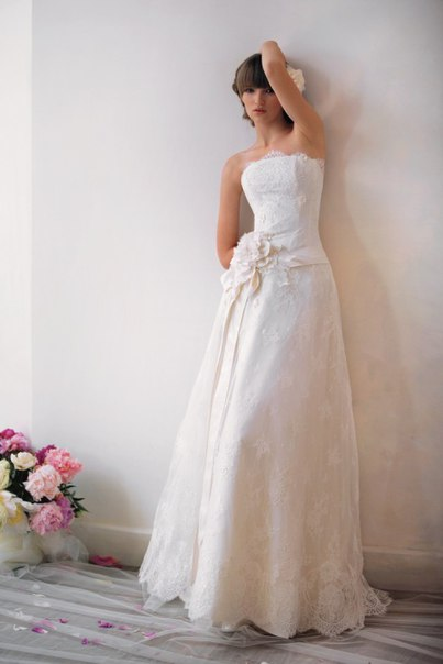 Вы просматриваете изображения у материала: Карамель - свадебный салон
